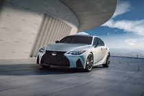Новый Lexus IS